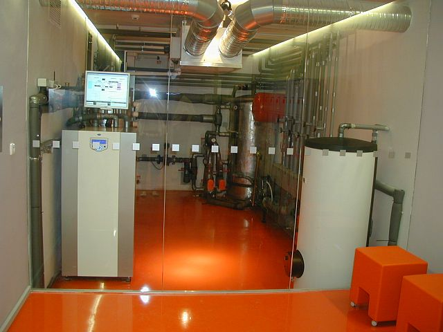 Information center of ČEZ OZE Hradec Králové: using water-water heat pumps