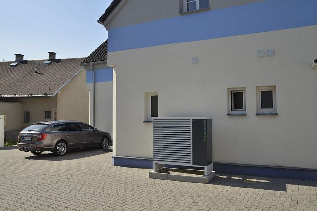 Head office CVEJN Ltd. in Nové Město nad Metují: using ECONOMIC air-water heat pump