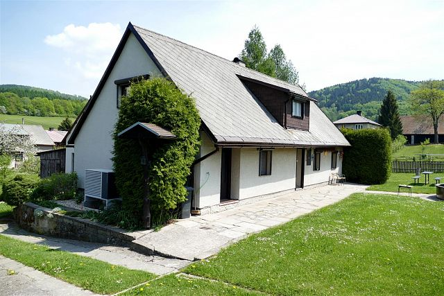 Reconstruction of a family house in the village Machov: using an ECONOMIC air-water heat pump